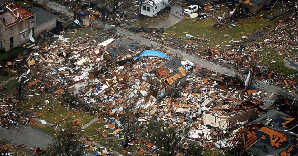 42 killed by weather in us